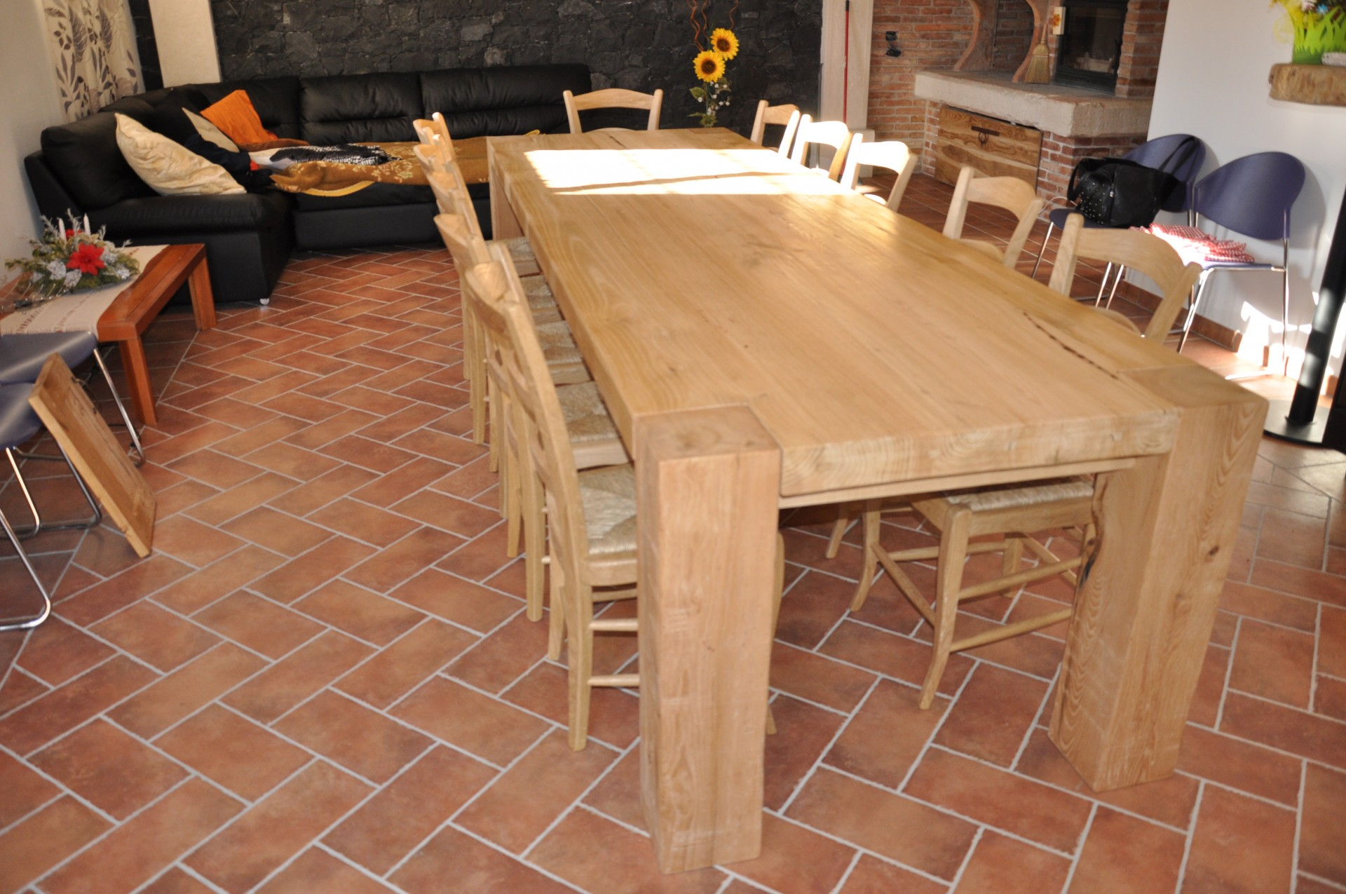Tavoli in legno su misura fadini mobili cerea verona for Design moderno di mobili in legno massello