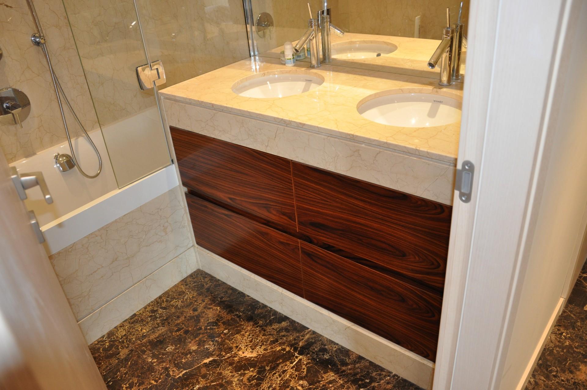 Mobiletti per il bagno copricolonna - Lavabo bagno marmo prezzi ...