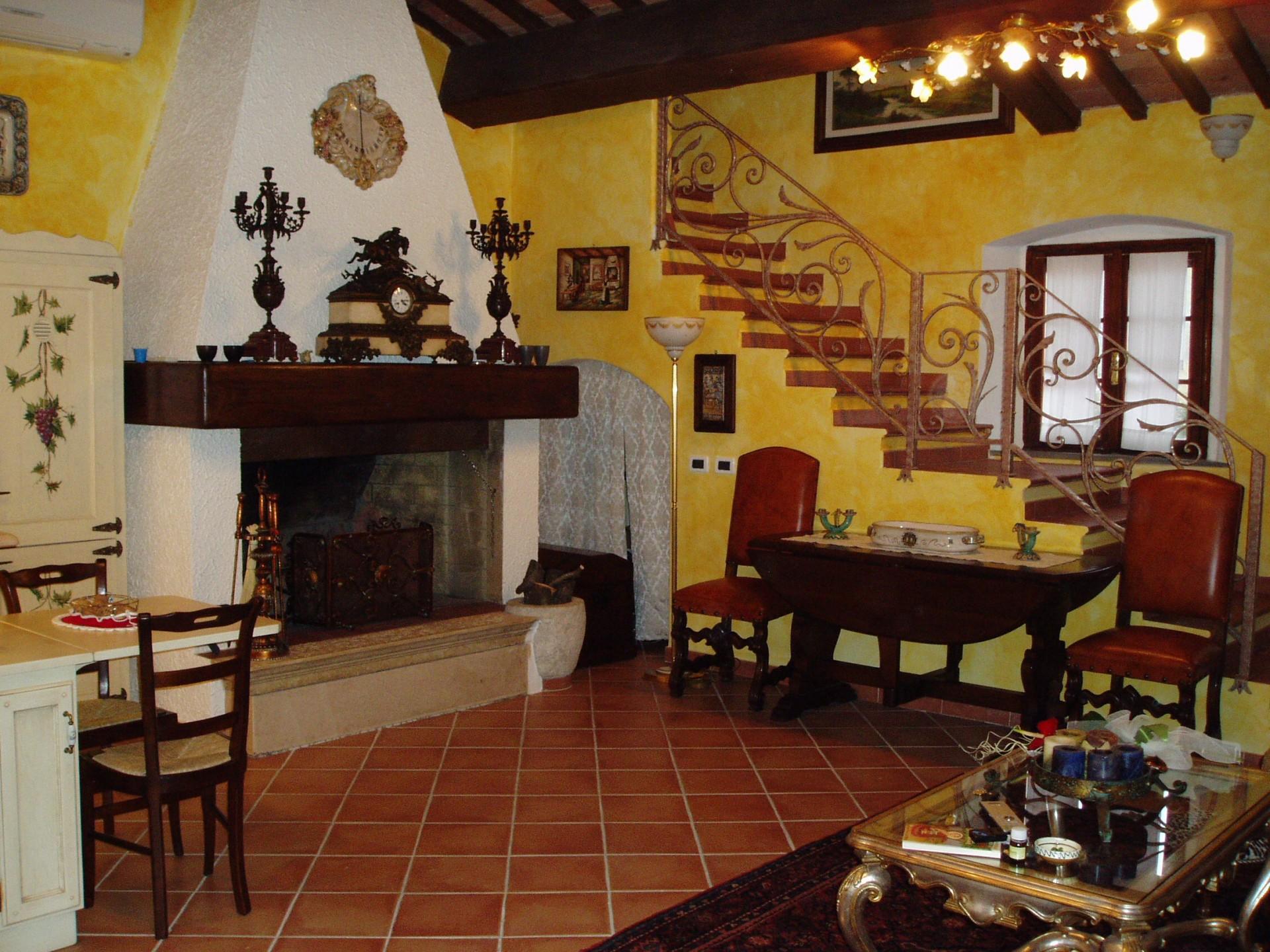 cucina rustica arredamento cucina : Cucina costruita artigianalmete su misura in legno di rovere laccato ...
