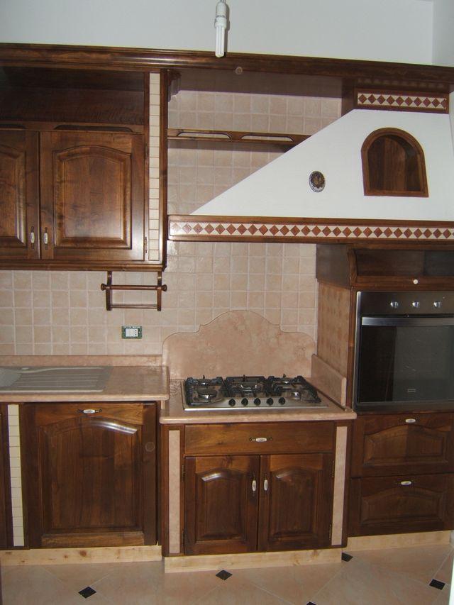 Cucina rustica country costruita artigianalmente su misura fadini mobili cerea verona - Cappa cucina in muratura ...