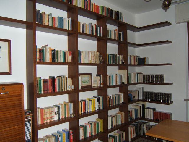Progettazione arredamenti su misura fadini mobili cerea for Libreria camera da letto