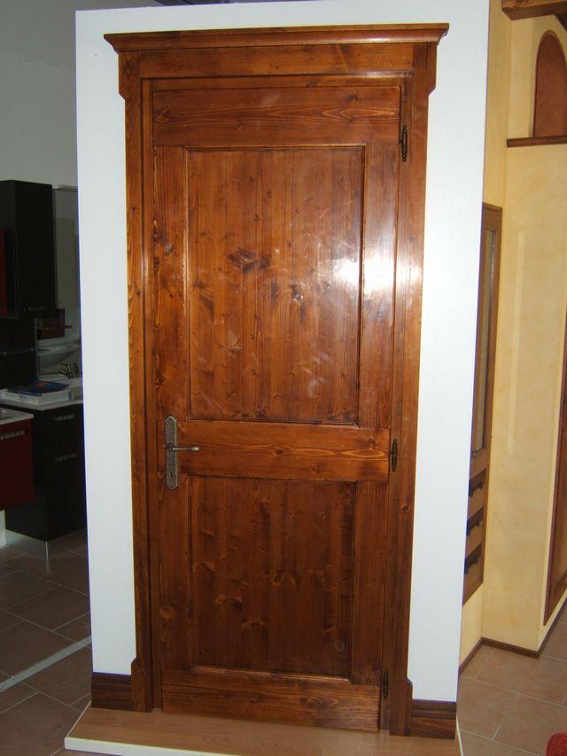 Porta rustica per interni in abete fadini mobili cerea for Mobili per interni