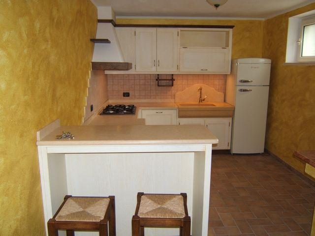 Bancone In Legno Costruito Artigianalmente : Cucina per taverna fadini mobili cerea verona