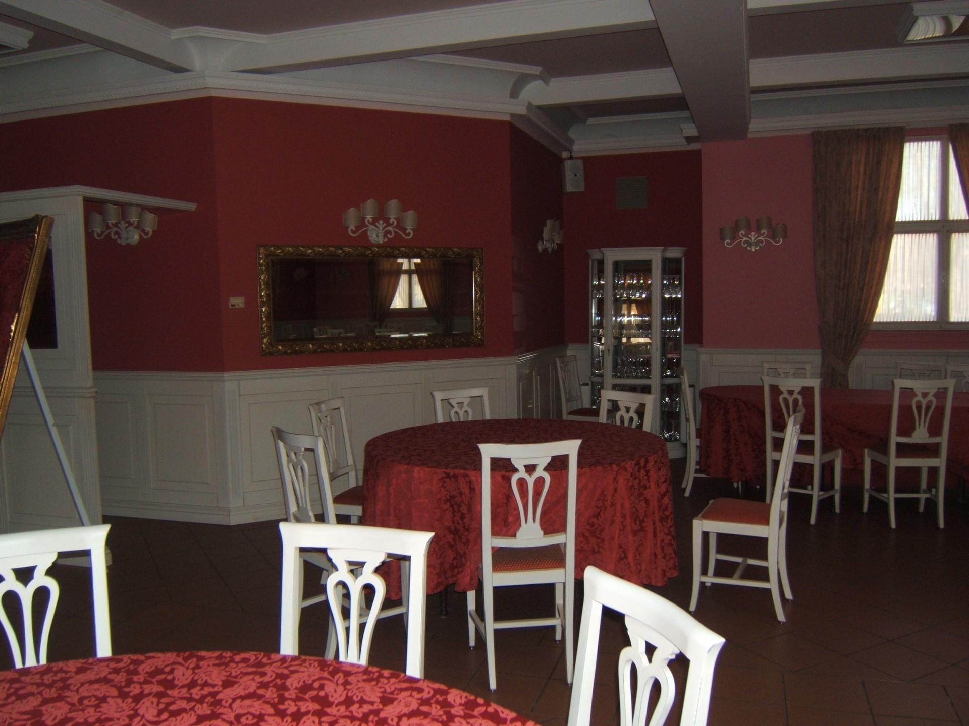 Arredamento per sala ristorante fadini mobili cerea verona for Arredatore milano