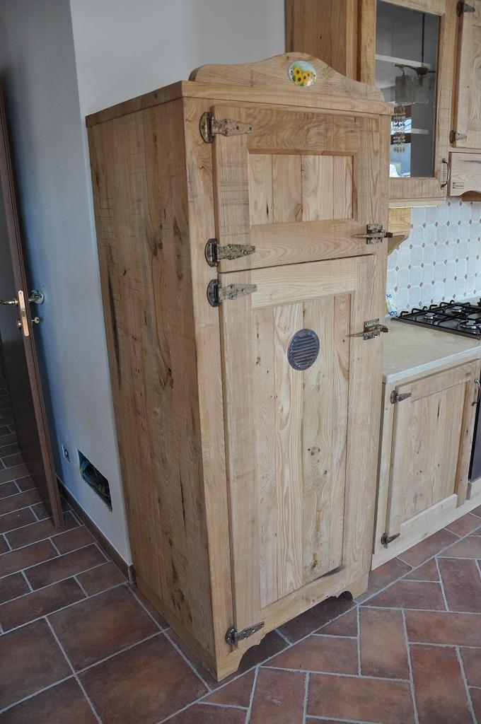 Cucina rustica in castagno fadini mobili cerea verona - Cucine moderne in legno naturale ...