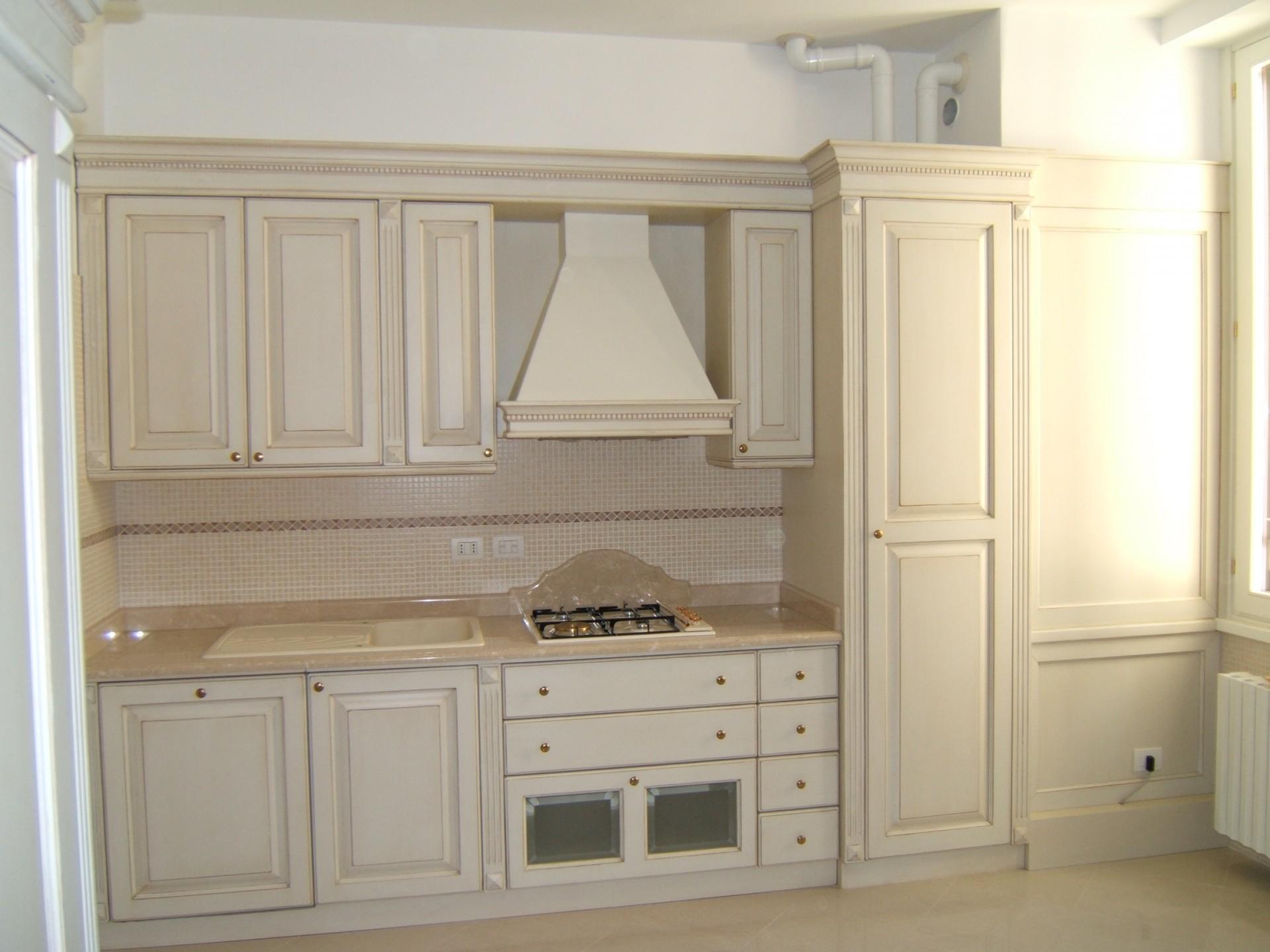 Boiserie Da Cucina : Cucina costruita in legno di rovere su misura fadini mobili