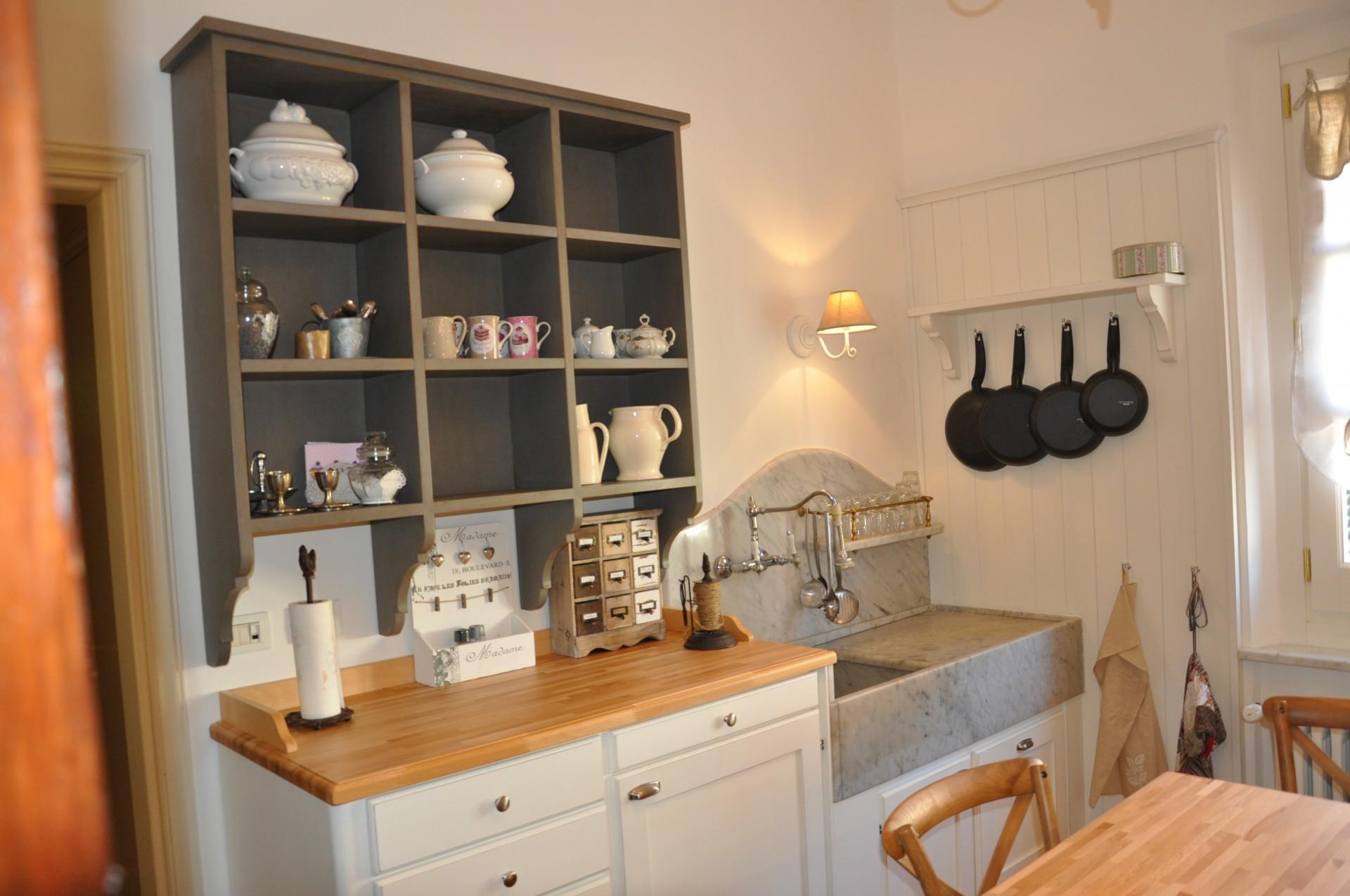 Cucina in legno di rovere fadini mobili cerea verona for Mobili x cucine piccole