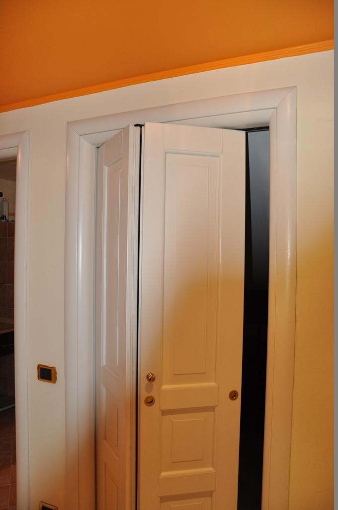Porte per interni fadini mobili cerea verona - Porte scorrevoli ad angolo ...