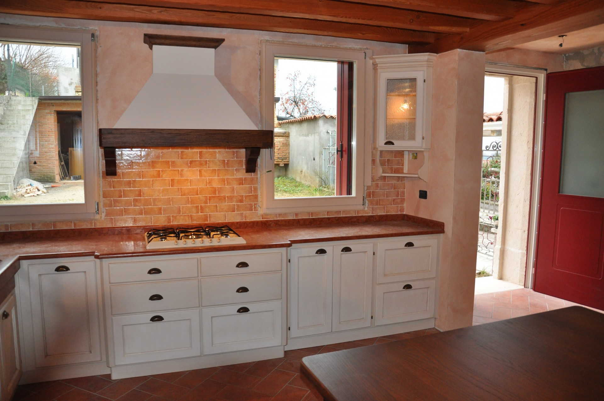 Cucina rustica laccata fadini mobili cerea verona - Cappa per cucina in muratura ...