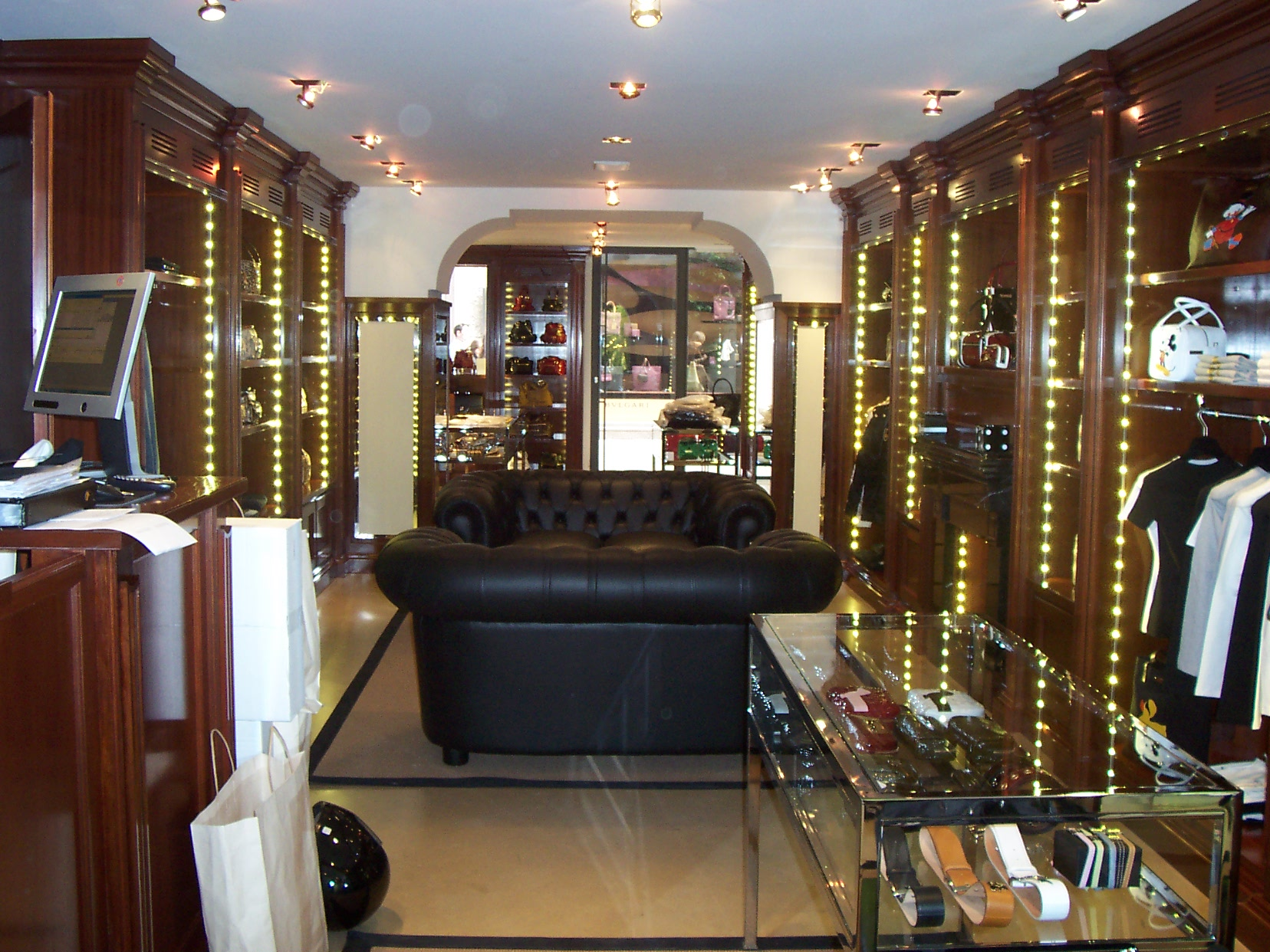 Negozi arredamento design milano negozi arredamento for Arredamento casa usato milano