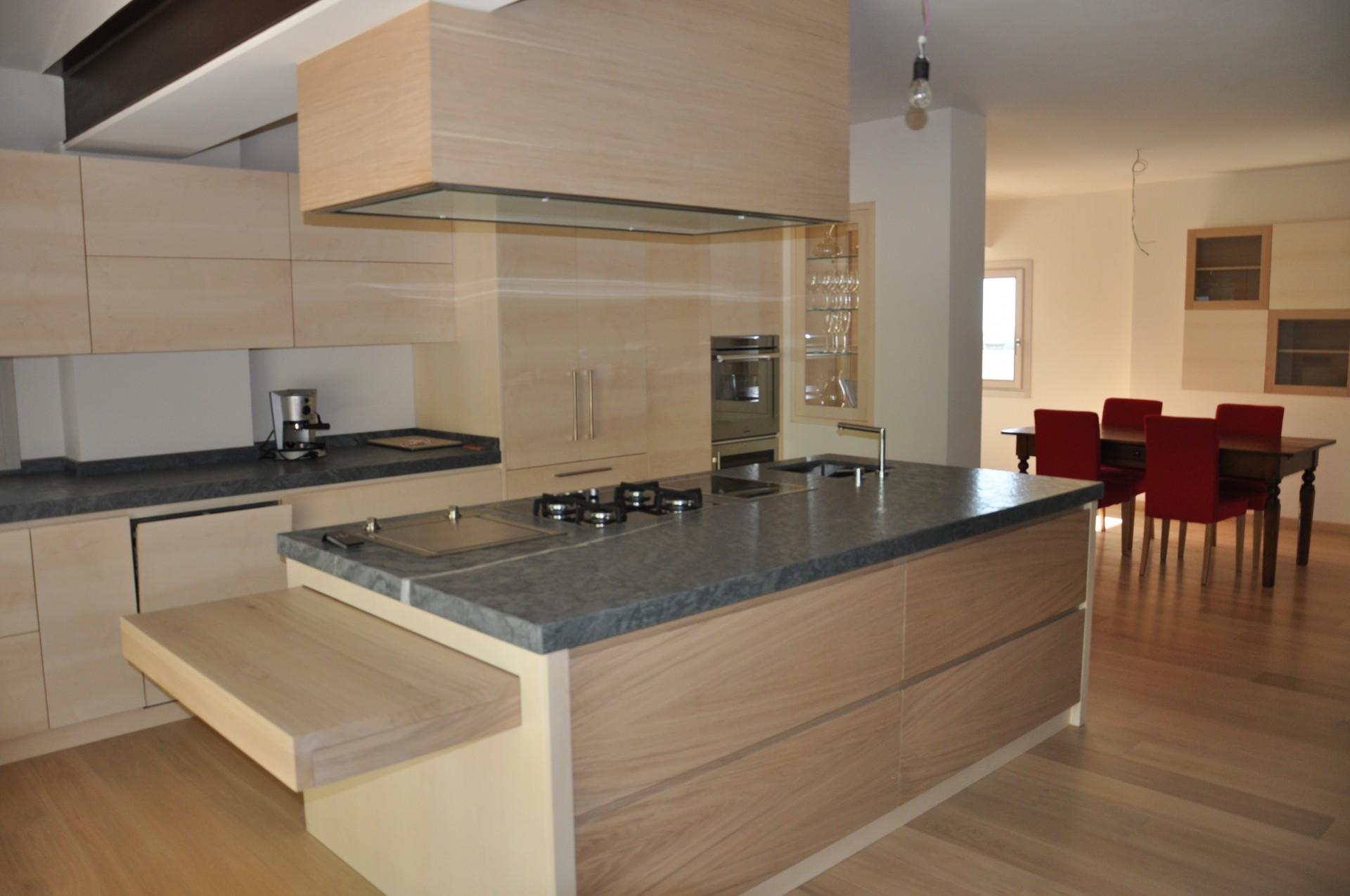 Cucina In Rovere Sbiancato. Simple Collezione Host Arredo Su Misura ...