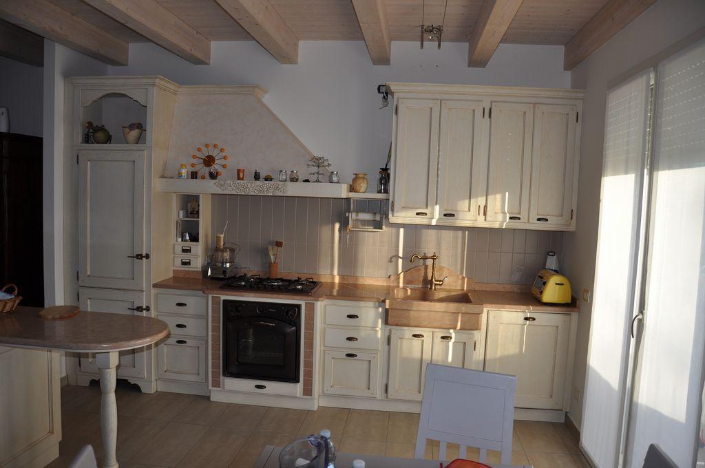 Cucina in rovere laccato. | Fadini Mobili Cerea Verona