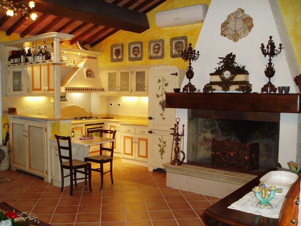 Mantovane shabby chic per cucina - Cucine moderne gialle ...