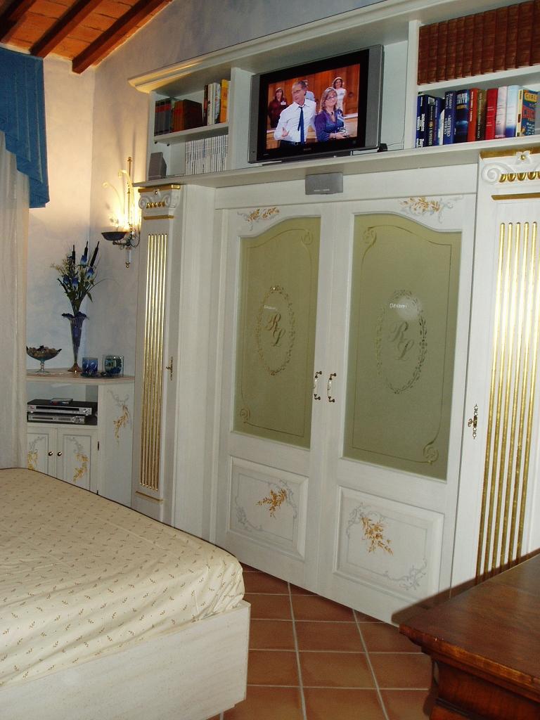 Porte per interni fadini mobili cerea verona - Porte scorrevoli per cabine armadio prezzi ...