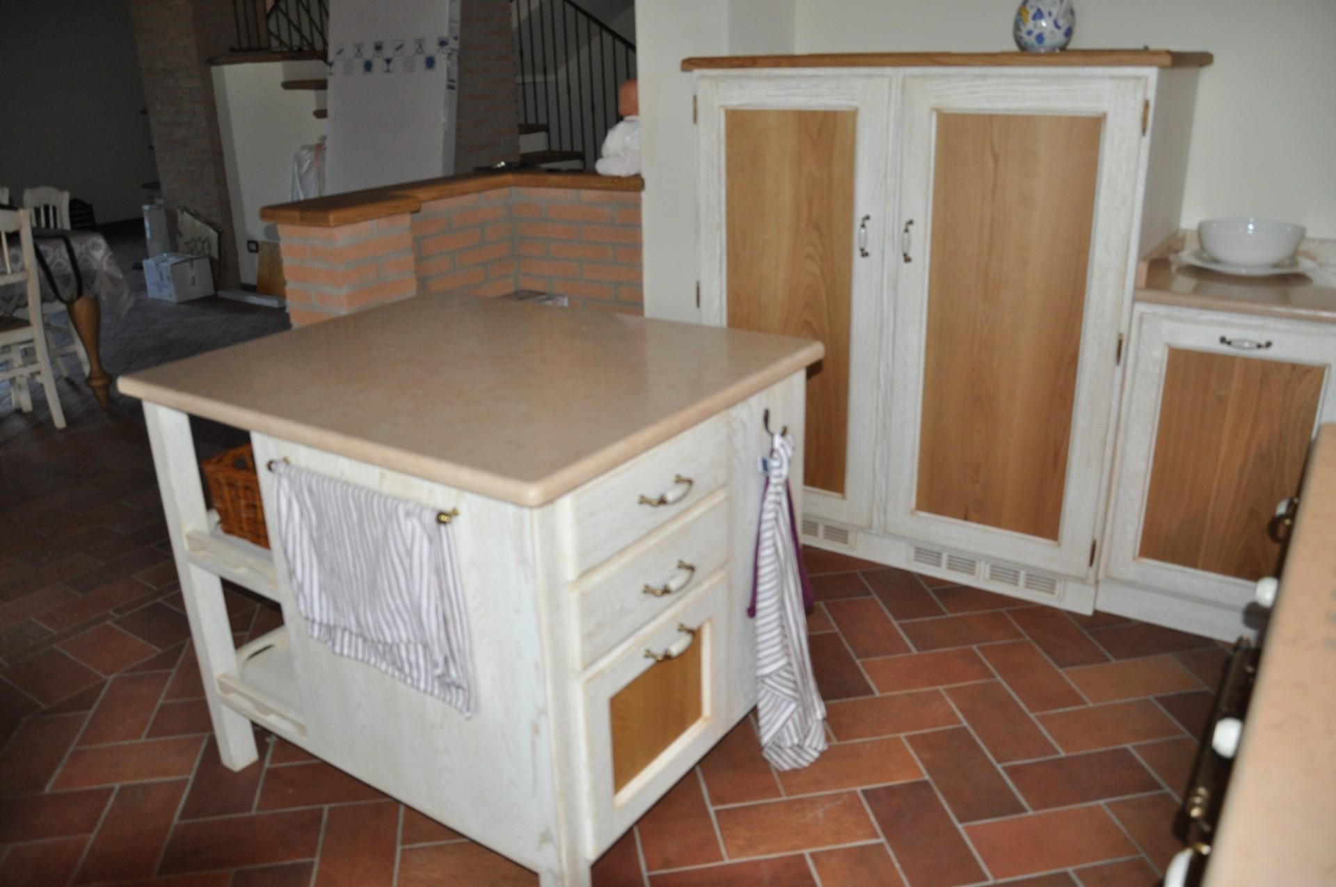 Arredamento Cucina Isola : Banconi e isole per cucina fadini mobili cerea verona