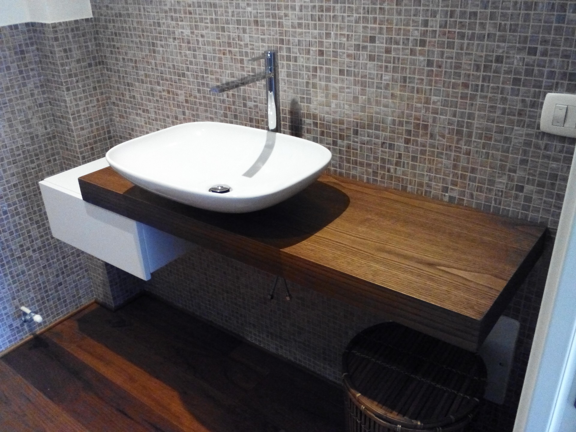 Emejing mobile bagno in legno images for Fadini mobili