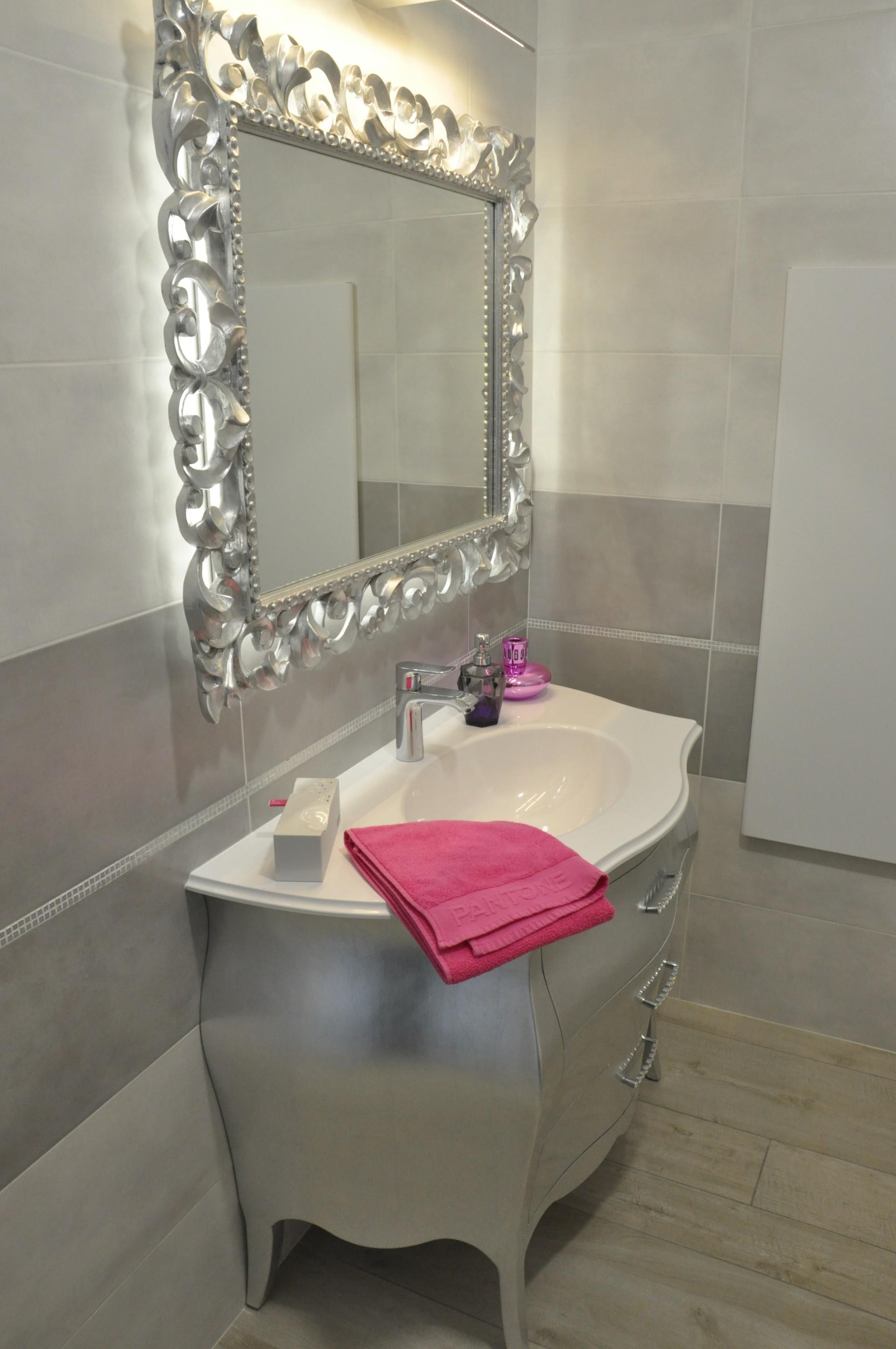Mobili per bagno verona design casa creativa e mobili for Vendita mobili grezzi verona