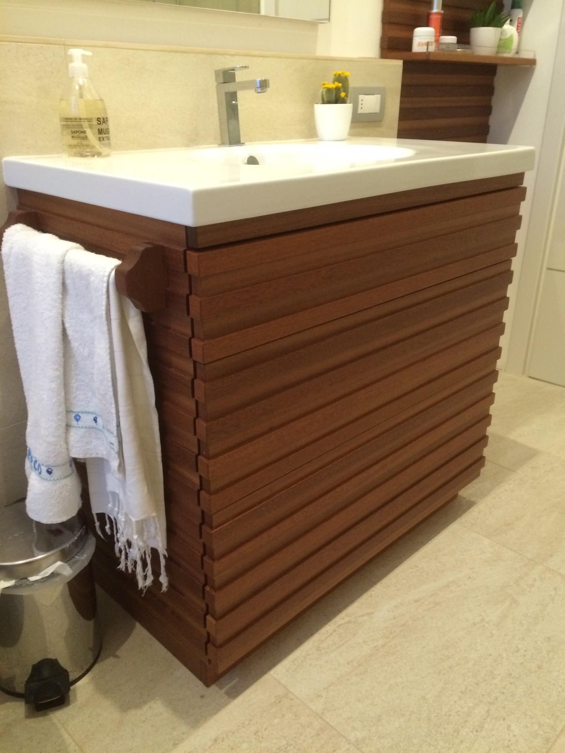 Mobile per il bagno in mogano fadini mobili cerea verona - Mobili lavanderia su misura ...