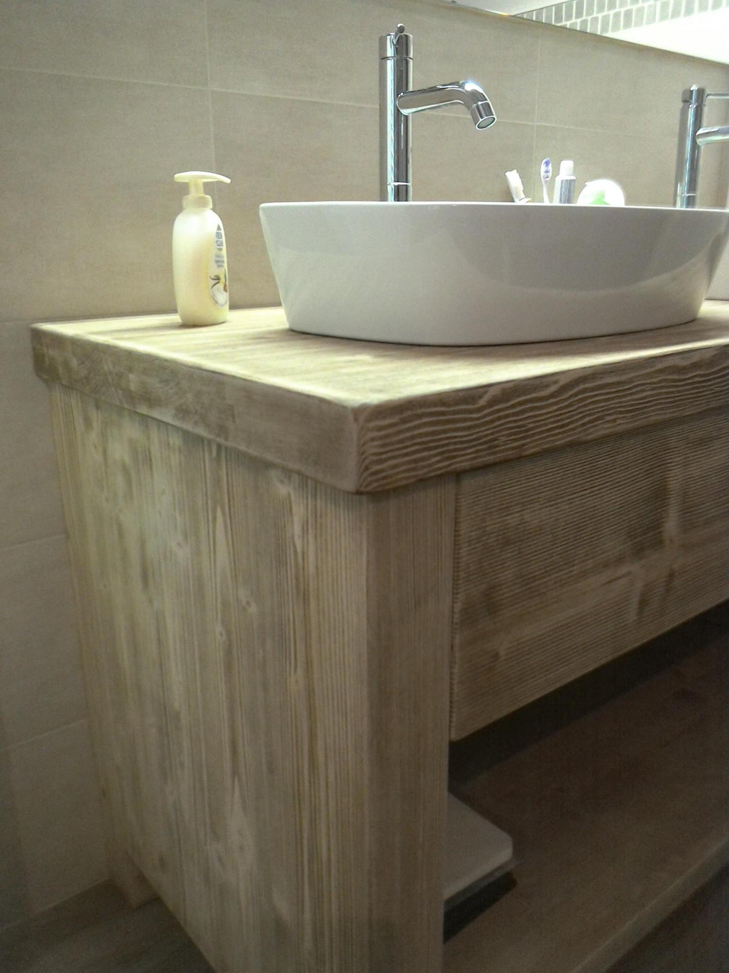 Mobile per il bagno in legno fadini mobili cerea verona - Prodotti per il bagno ...