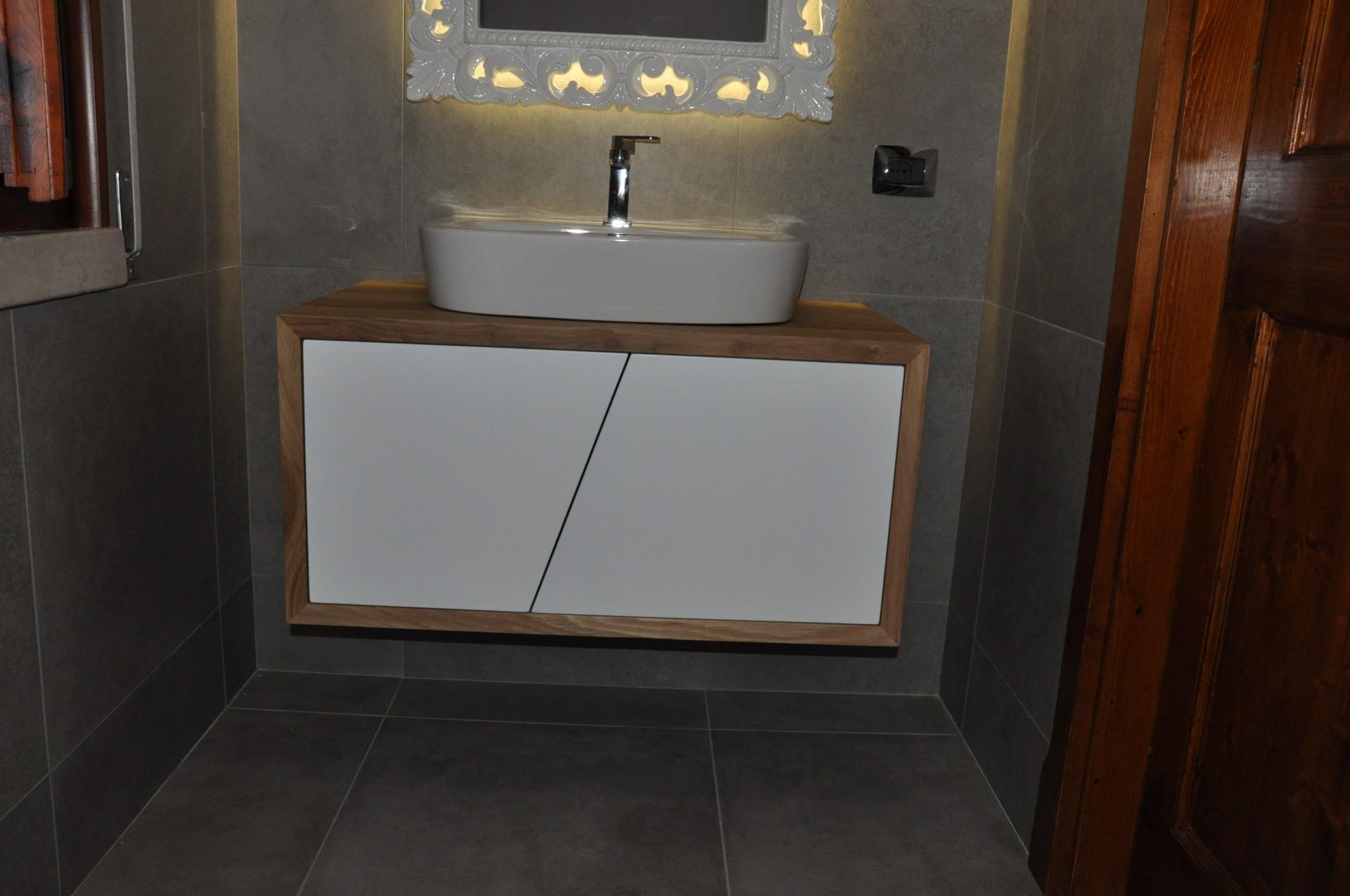 Mobile per il bagno in rovere fadini mobili cerea verona - Mobile per il bagno ...