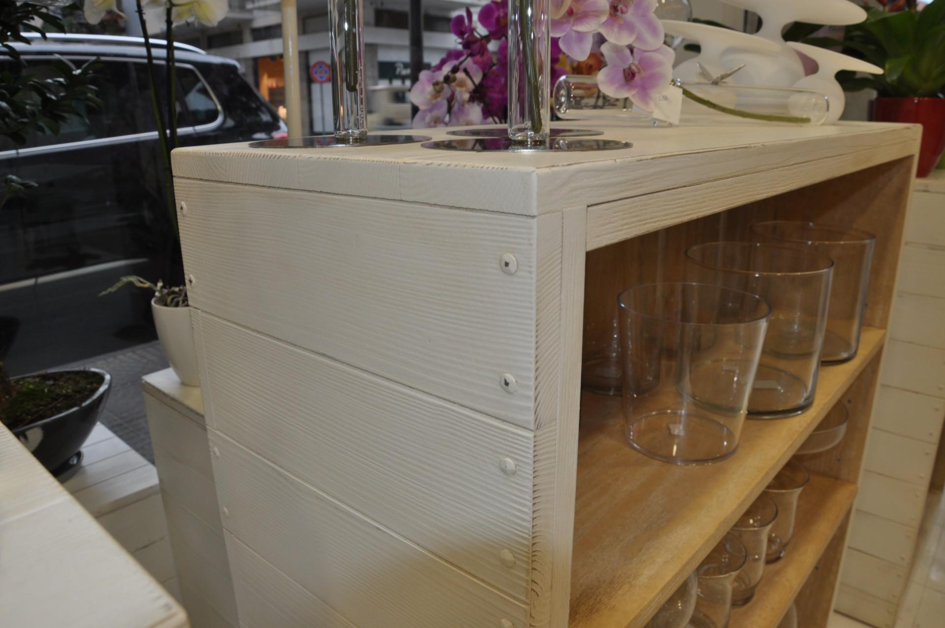 Bancone In Legno Per Negozio : Arredamento in legno per negozio di fiori fadini mobili cerea verona
