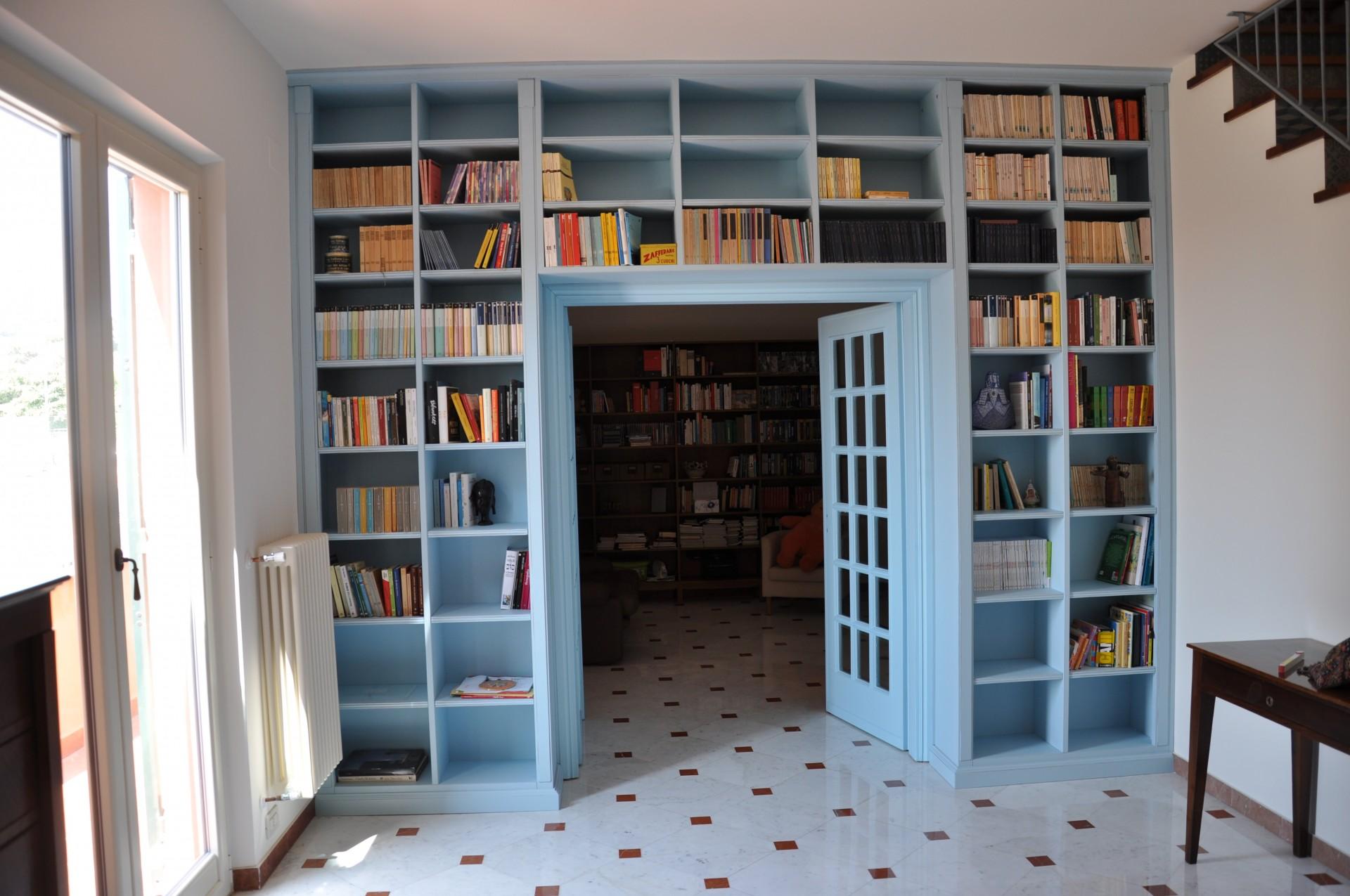 libreria art 938 libreria laccata costruita in legno su misura che fa ...