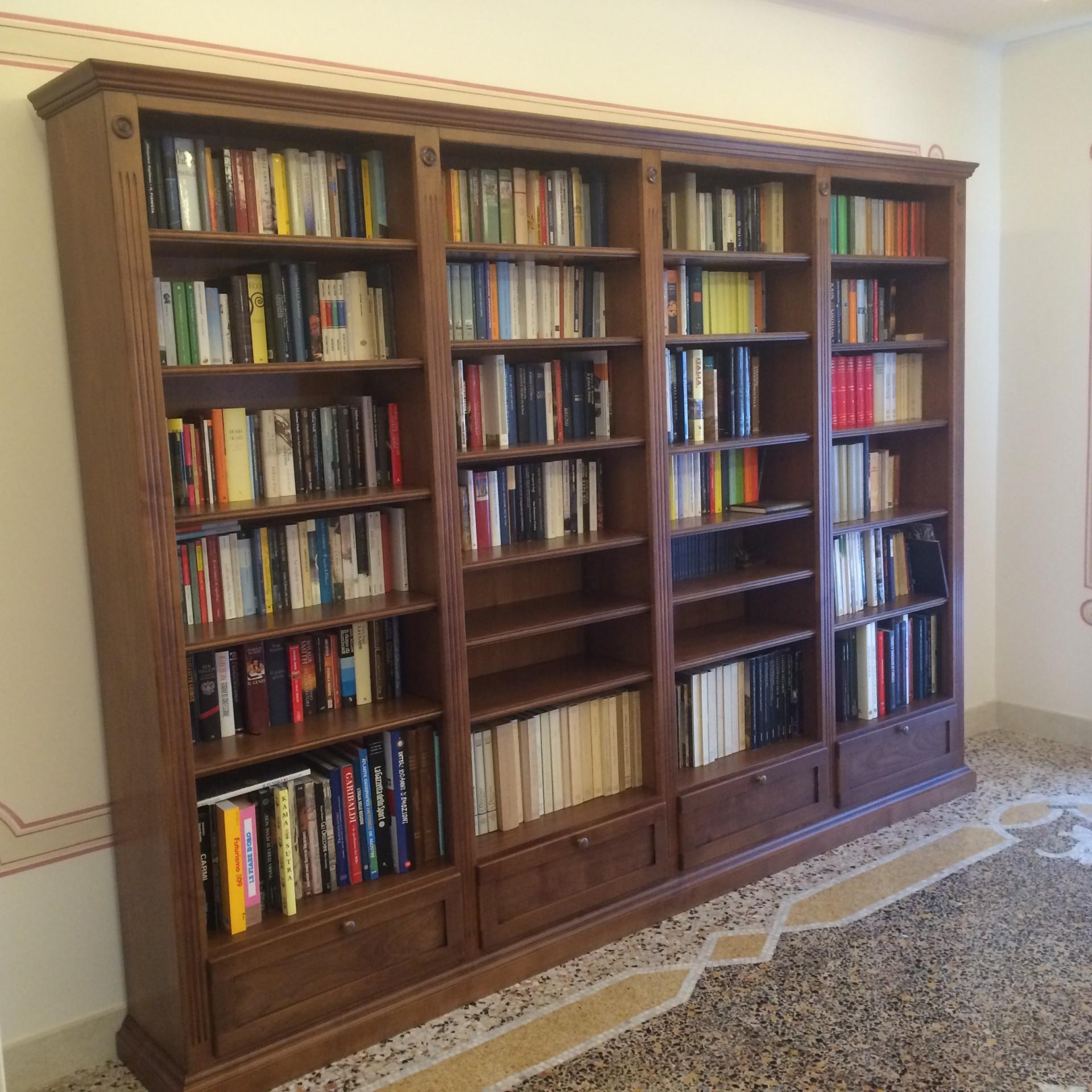 Libreria Fulvia Prezzo : Librerie in legno su misura fadini mobili cerea verona