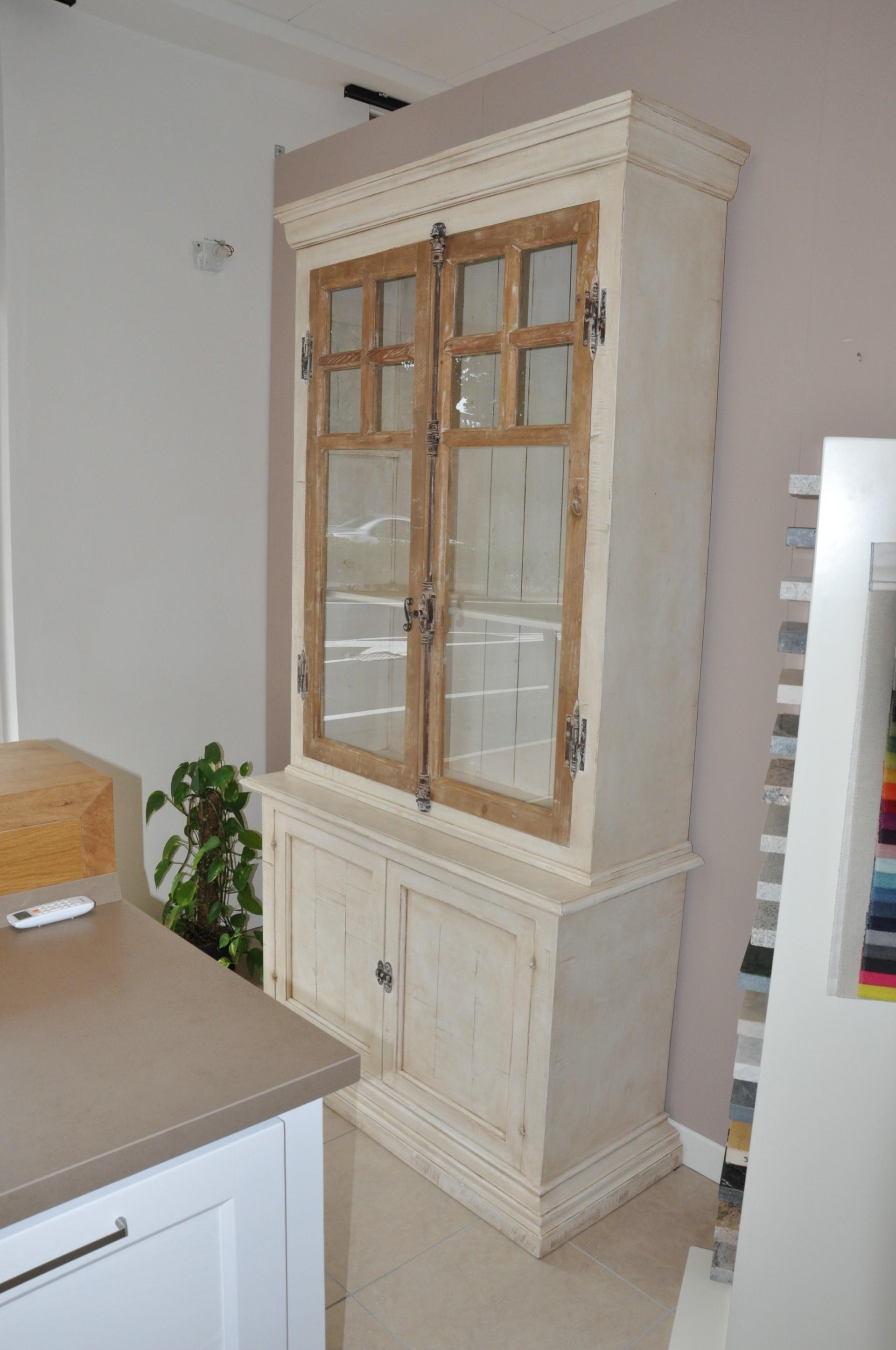 Credenza costruita su misura in legno laccato a mano. | Fadini ...