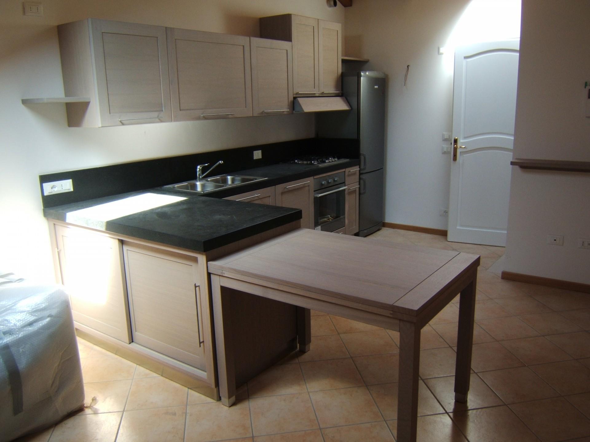 Cucina costruita in legno di rovere su misura fadini mobili cerea verona - Cucine legno grezzo ...