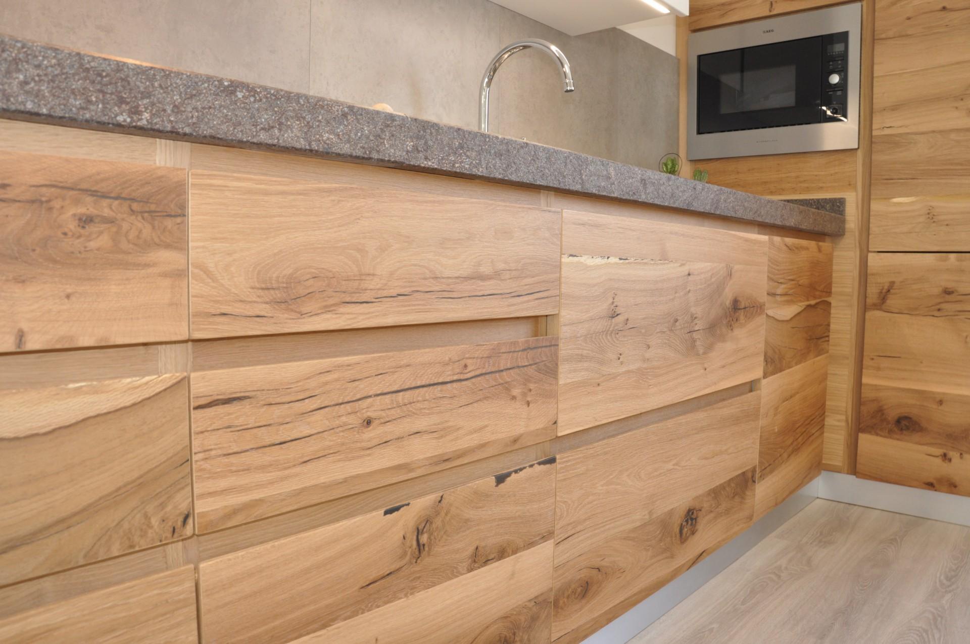 Cucina artigianale in legno. | Fadini Mobili Cerea Verona