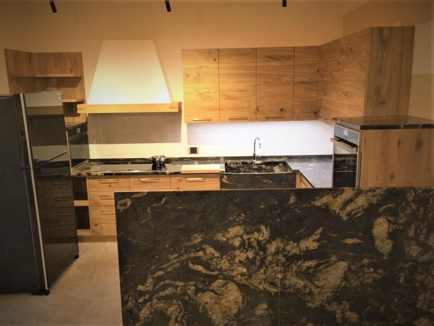 Cucina moderna in rovere rustico