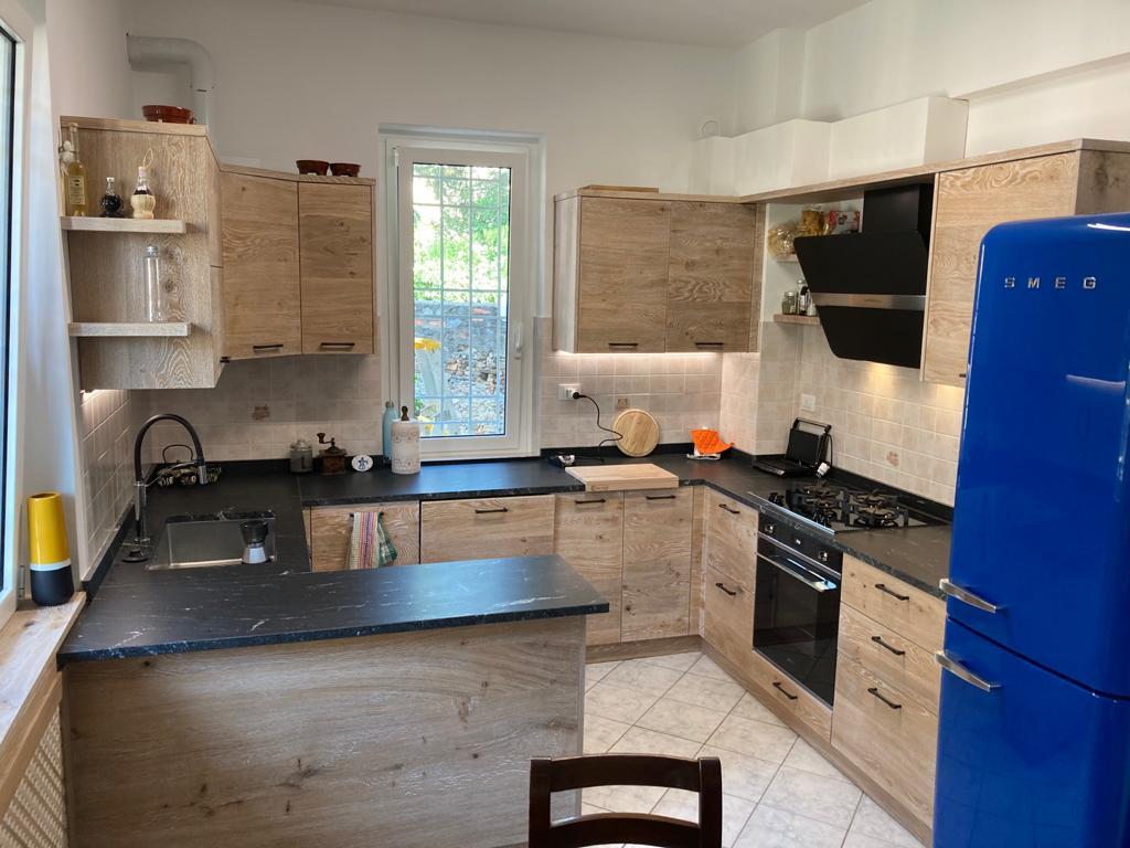Cucina moderna in rovere naturale