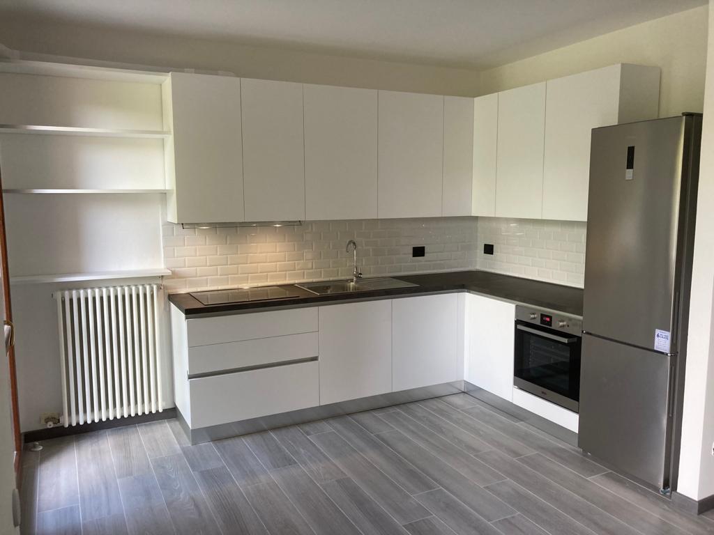 Cucina moderna color bianco