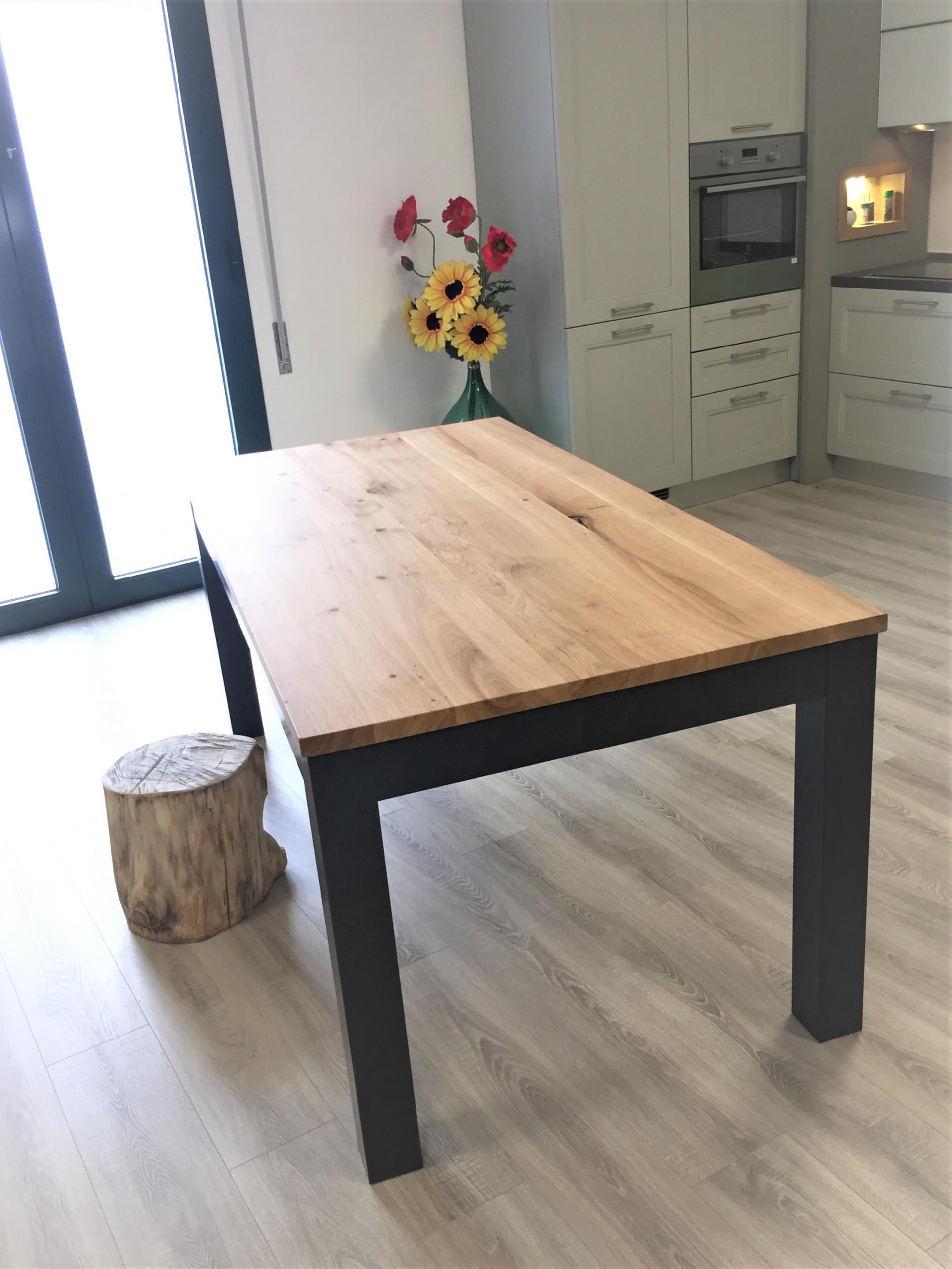 Tavolo allungabile in legno di rovere