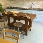 Isola per cucina in legno.