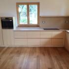 Cucina moderna in legno di frassino