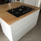 Cucina con top in legno di faggio