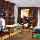 Arredamento per negozio in legno a Milano