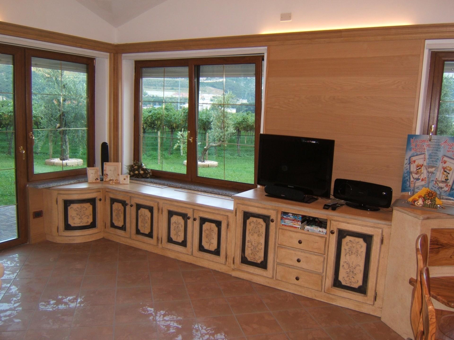 Mobili per sala in legno su misura fadini mobili cerea verona - Mobili in stile cerea ...