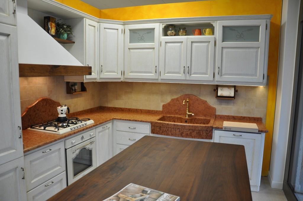 cucina country in legno laccato savona