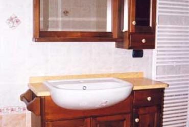 Mobile per bagno in legno a Bologna