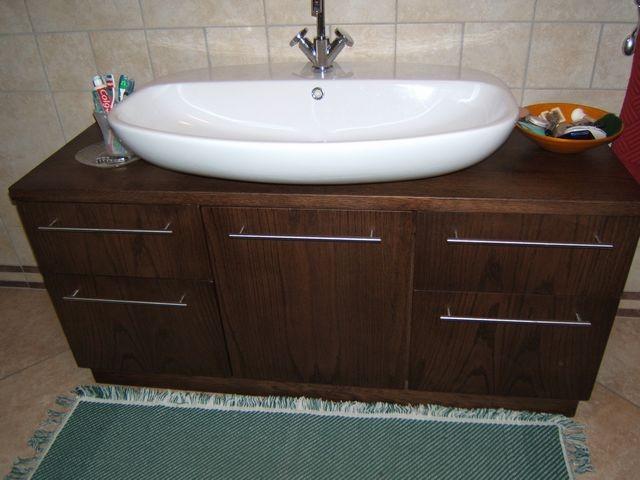Mobile per bagno in legno moderno a Imperia