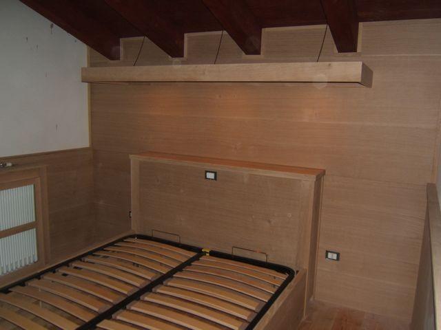 Boiserie in legno di rovere a Milano