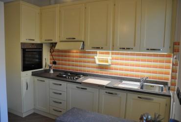 Cucina moderna in legno a Savona