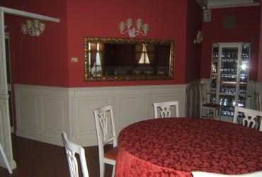 Arredamento in legno per ristorante a Bologna