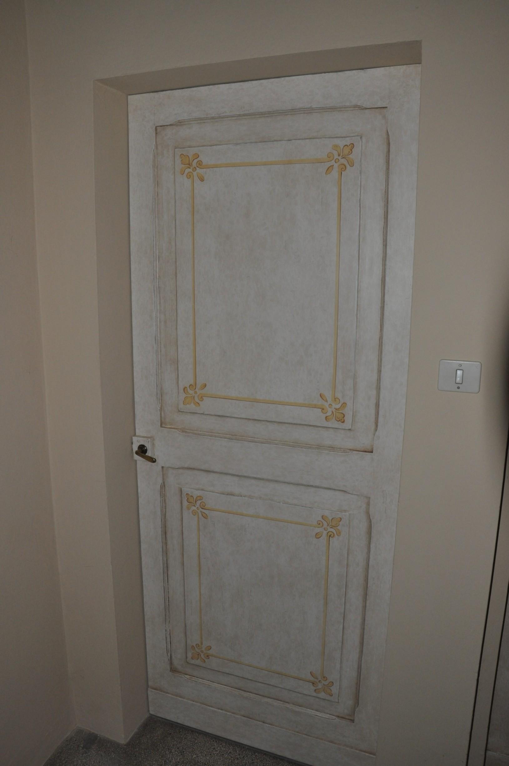 Porte su misura in legno a Savona