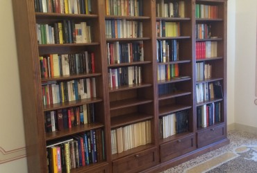 Libreria in legno a Savona
