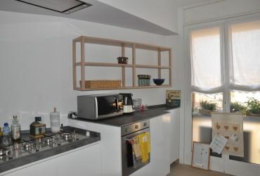 Cucine moderna in legno su misura.