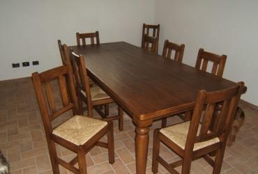 Tavoli in legno a Verona.