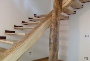 scala in legno rustico